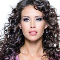 Долговременная укладка волос в салоне красоты